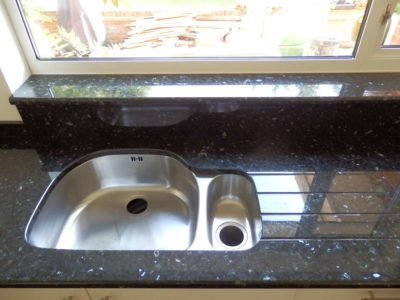 Emerald-Pearl-Granite-Kitchen-Worktops-09-400x300