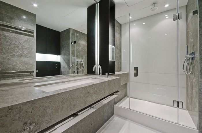 brown-marble-bathroom-700x462